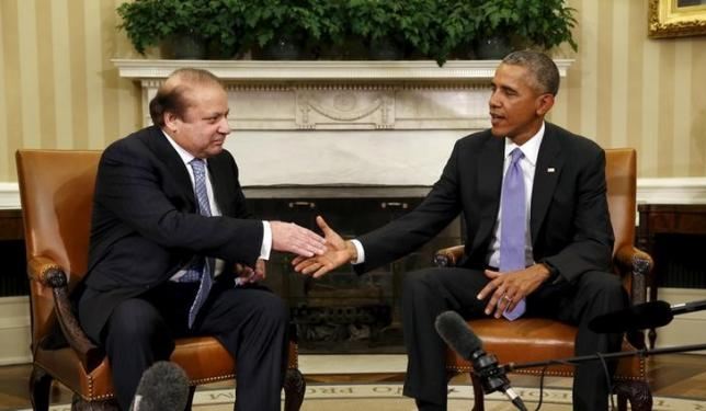 US President Barack Obama meets Pakistan's Prime Minister Nawaz Sharif in the Oval Office of the White House in Washington October 22, 2015. Photo: Reuters