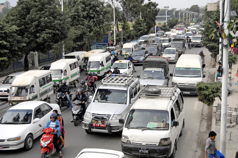 The Ratnapark-Bhadrakali road section has become congested once again after many fuel tankers entered through the Nepal-India border and the supply of fuel eased, in Kathmandu, on Monday. Photo: THT