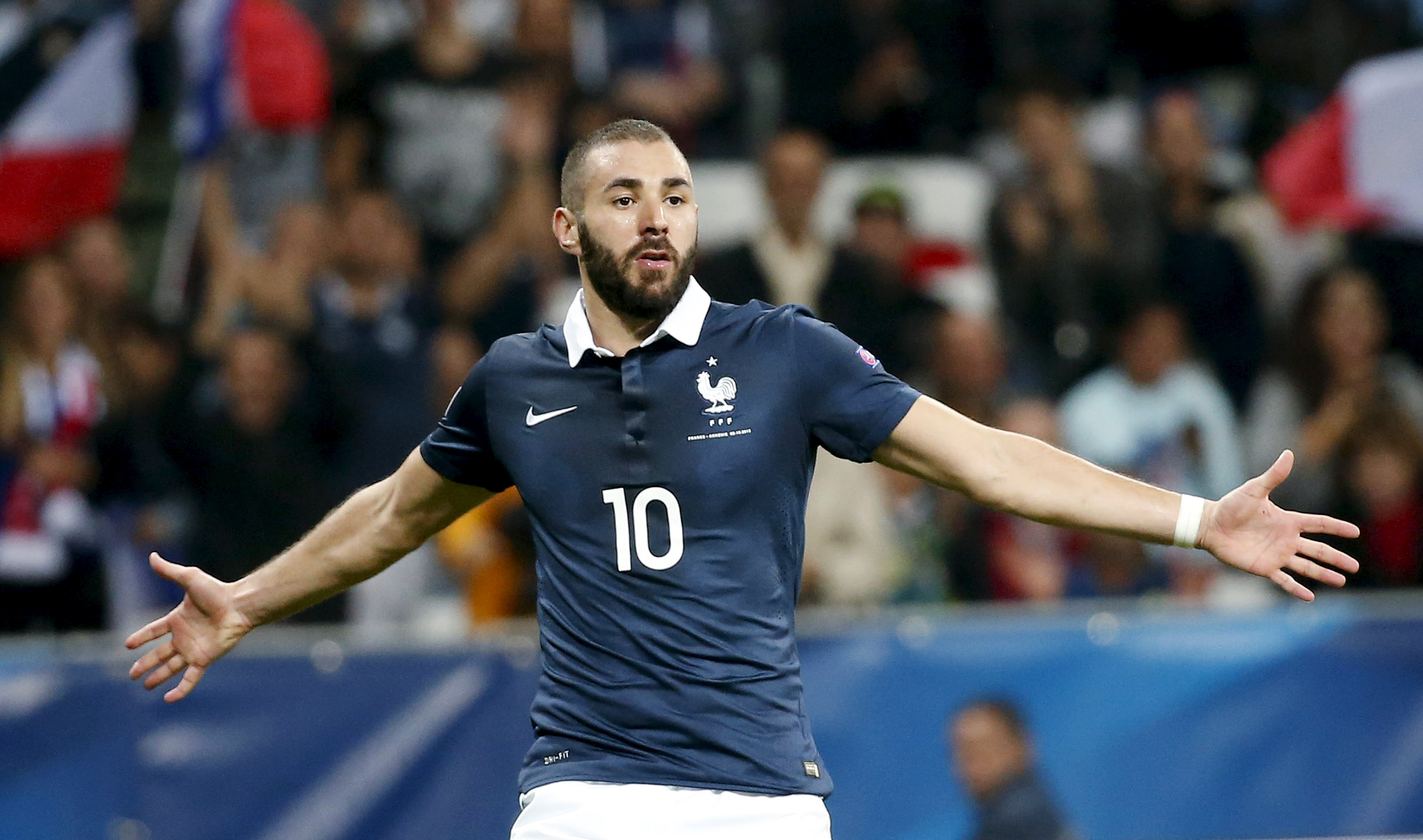 France's Karim Benzema celebrates after scoring during their friendly soccer match against Armenia at Allianz Riviera stadium in Nice, France, October 8, 2015. REUTERS/Eric Gaillard