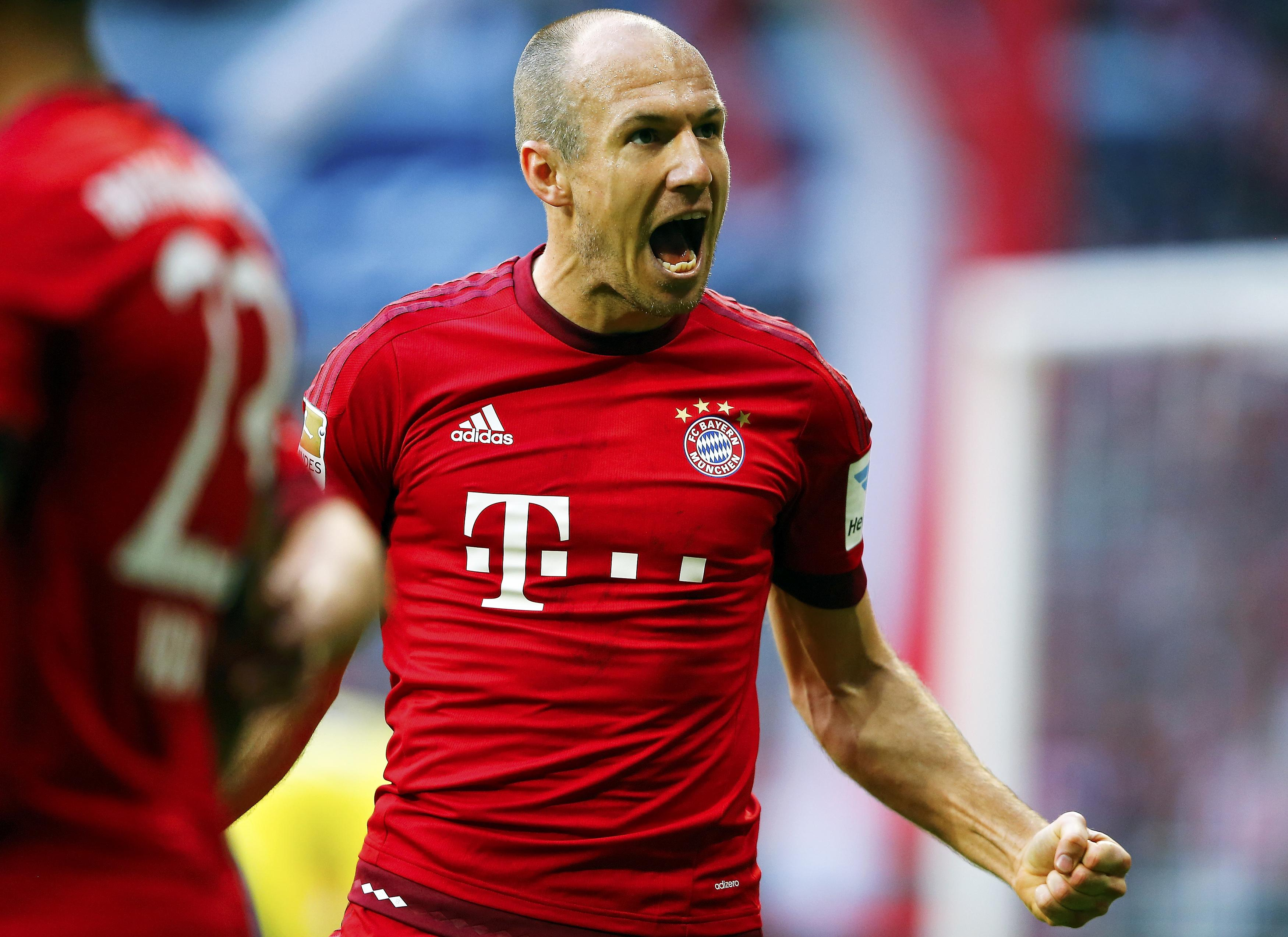 Bayern Munich's Arjen Robben celebrates after he scored against VfB Stuttgart during their Bundesliga first division soccer match in Munich, Germany November 7, 2015.   REUTERS/Michael Dalder. DFL RULES TO LIMIT THE ONLINE USAGE DURING MATCH TIME TO 15 PICTURES PER GAME. IMAGE SEQUENCES TO SIMULATE VIDEO IS NOT ALLOWED AT ANY TIME. FOR FURTHER QUERIES PLEASE CONTACT DFL DIRECTLY AT + 49 69 650050