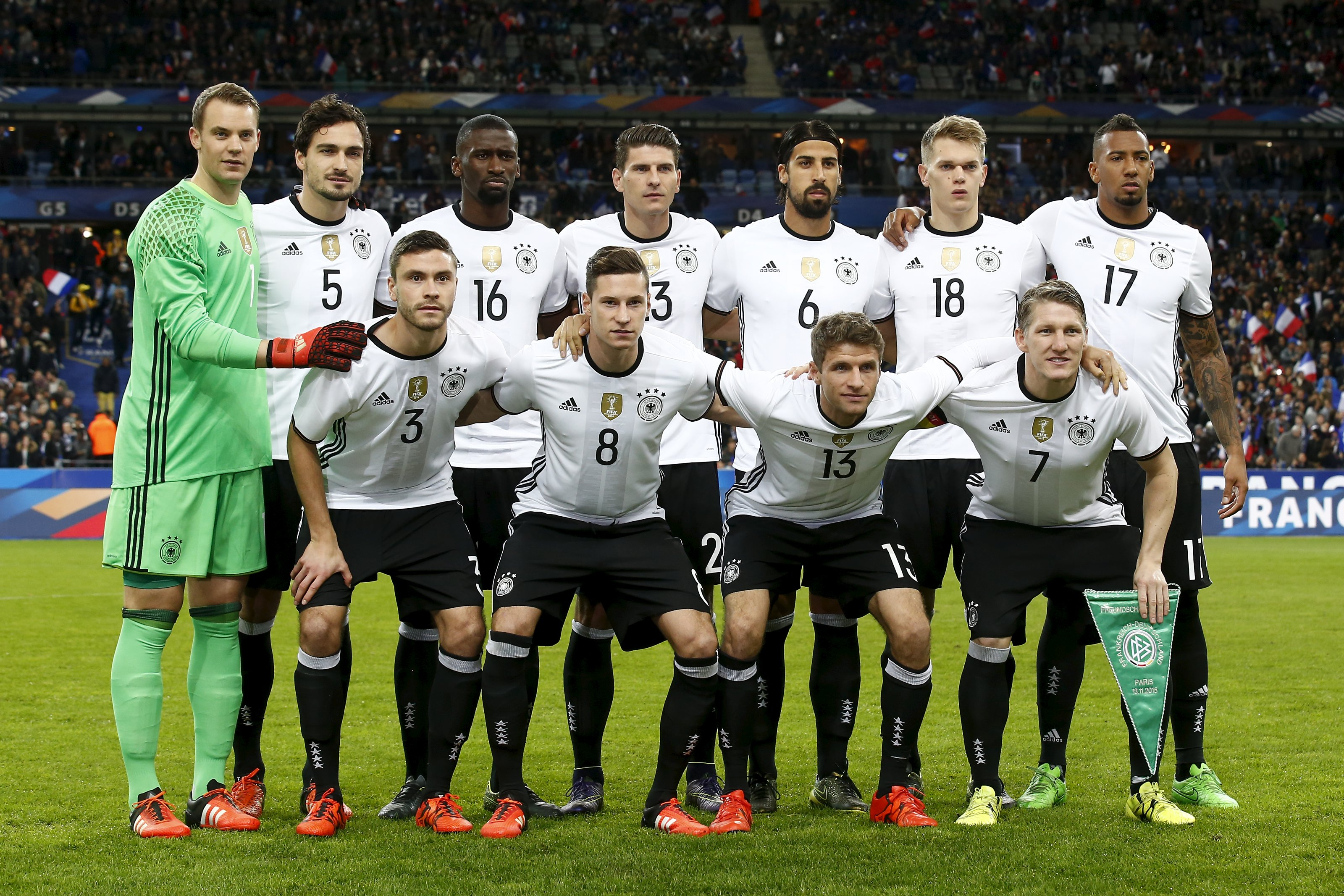 Germany players pose for a photograph prior to their International friendly football match against France at Stade de France Stadium on November 13, 2015. Photo: Reuters