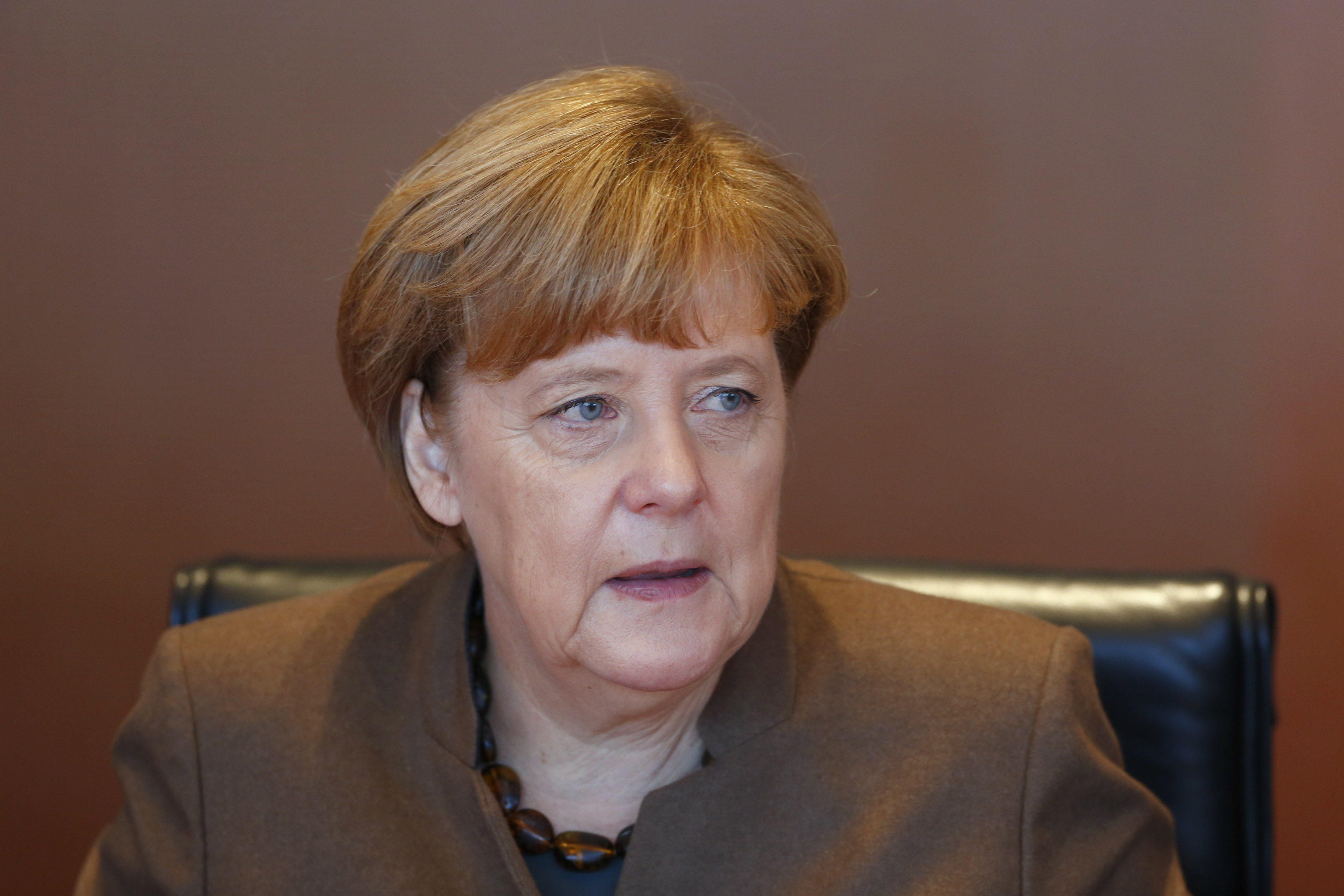 German Chancellor Angela Merkel arrives for the weekly cabinet meeting at the Chancellery in Berlin, Germany November 18, 2015. Merkel and her top ministers will hold a special meeting on security issues on Wednesday after an international soccer match was cancelled on Tuesday evening on fears of a planned attack, two government sources said.    REUTERS/Hannibal Hanschke