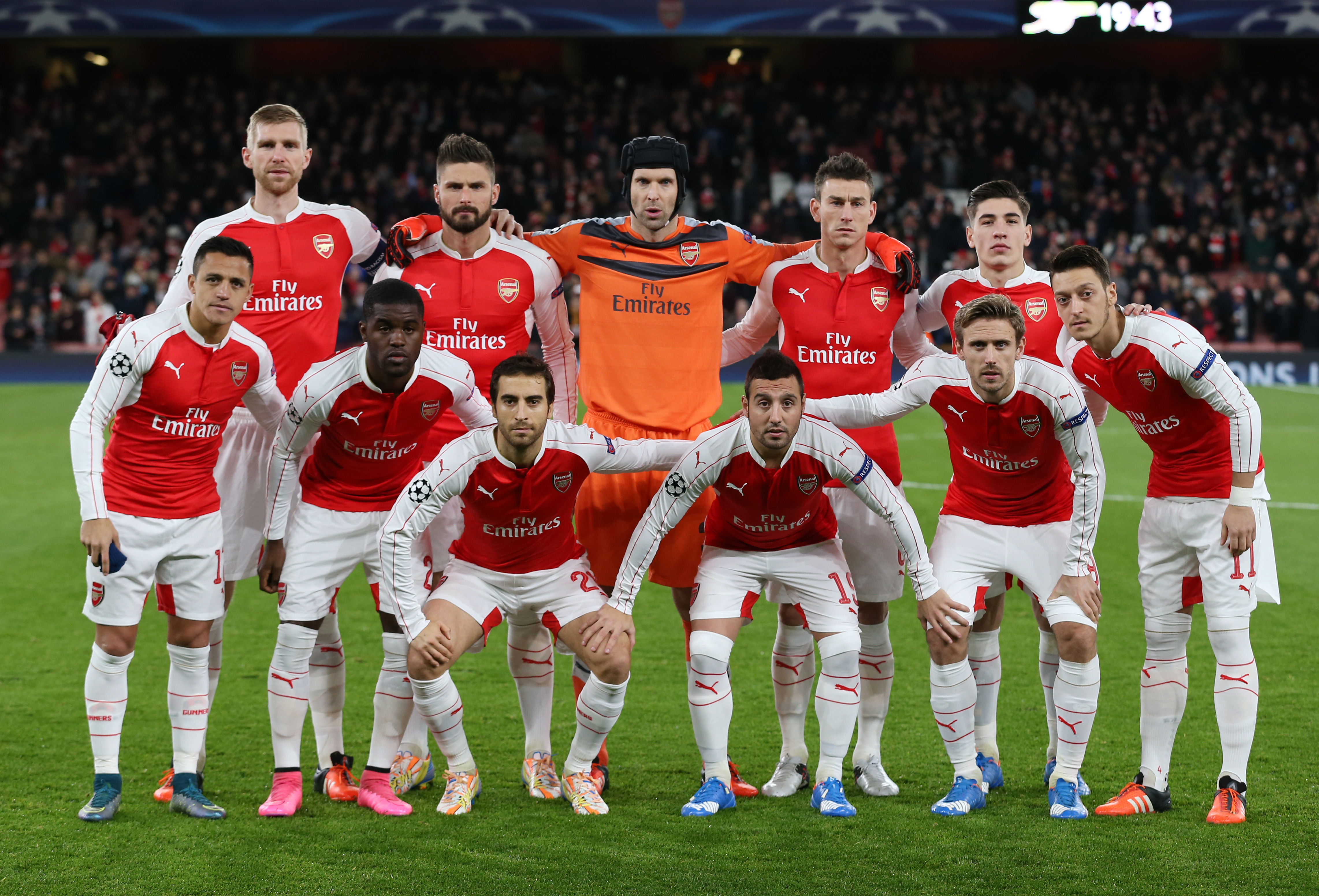Arsenal team group before the match during Champions League game at Emirates Stadium in December 24, 2015. Photo: Reuters