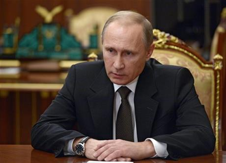 Russian President Vladimir Putin heads a meeting on Russian plane crash in Egypt in Moscow's Kremlin, Russia, early Tuesday, Nov. 17, 2015. Photo: AP
