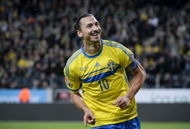 Sweden's Zlatan Ibrahimovic celebrates scoring the opening goal against Moldova during their Euro 2016 group G qualifying soccer match at the Friends Arena in Stockholm, Sweden, October 12, 2015. REUTERS/Janerik Henriksson/TT News Agency