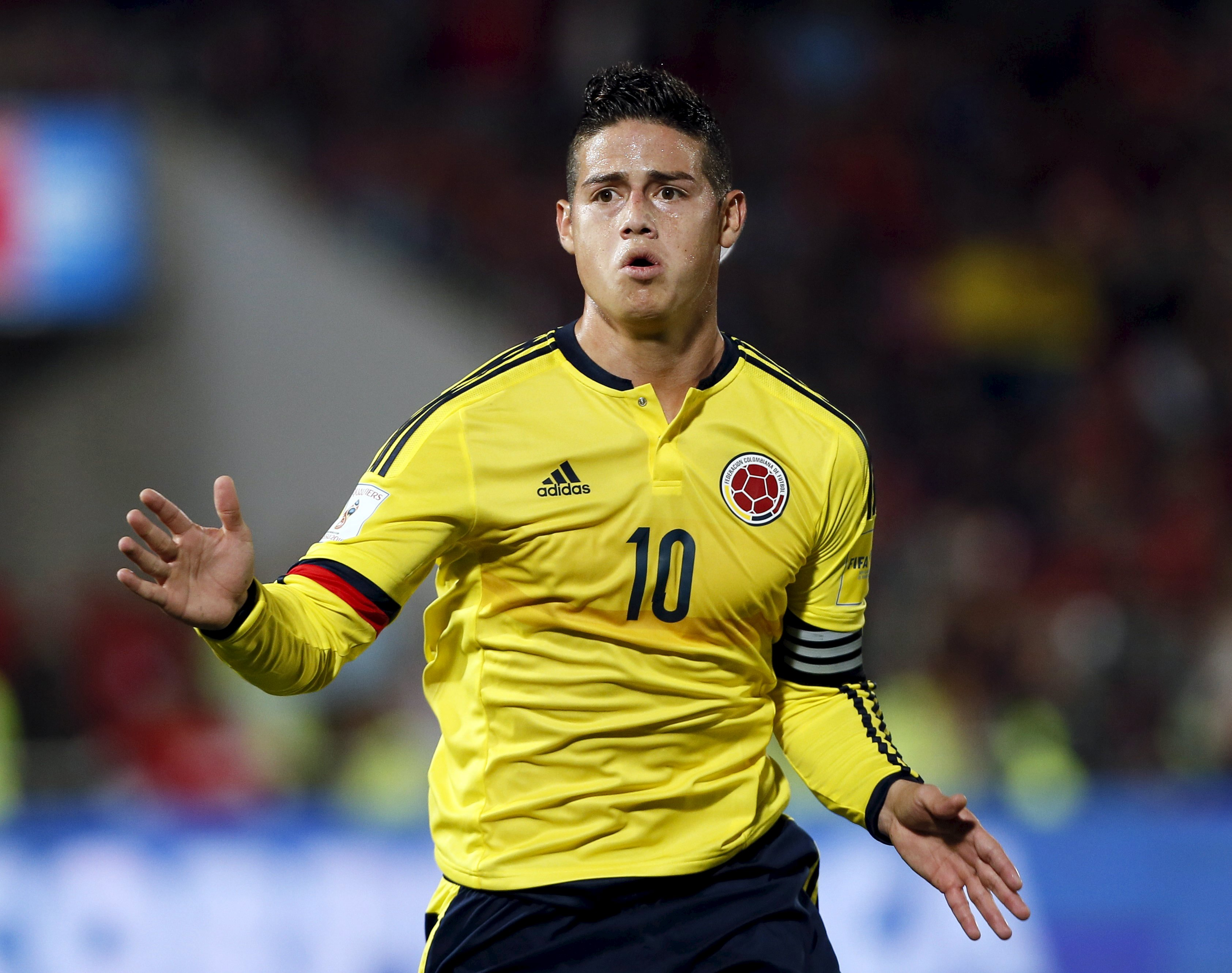 Colombia's James Rodriguez celebrates a goal against Chile during their 2018 World Cup qualifying soccer match at the national Julio Martinez stadium in Santiago, Chile, November 12, 2015. Photo: Reuters