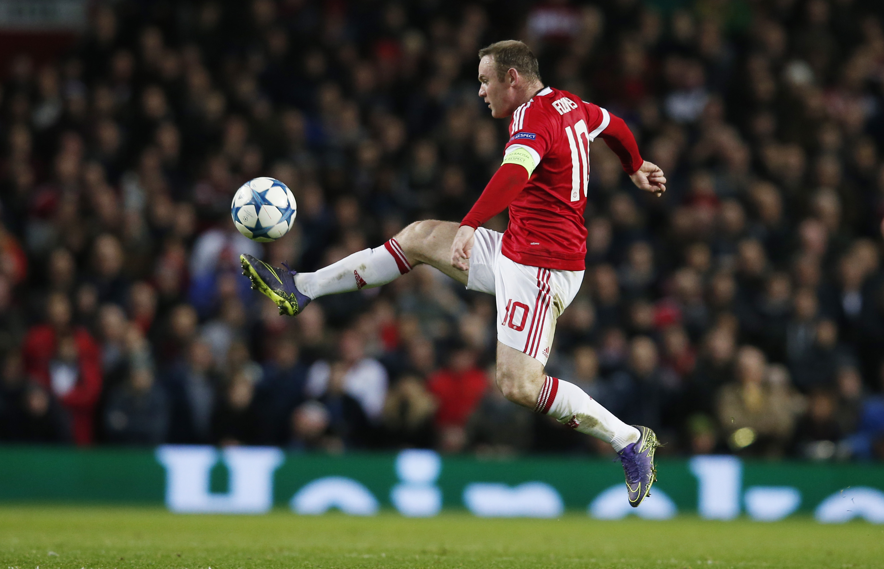 Manchester United's Wayne Rooney looks dejected during UEFA Champions League game against PSV Eindhoven at Old Trafford on November 25, 2015. Photo: Reuters