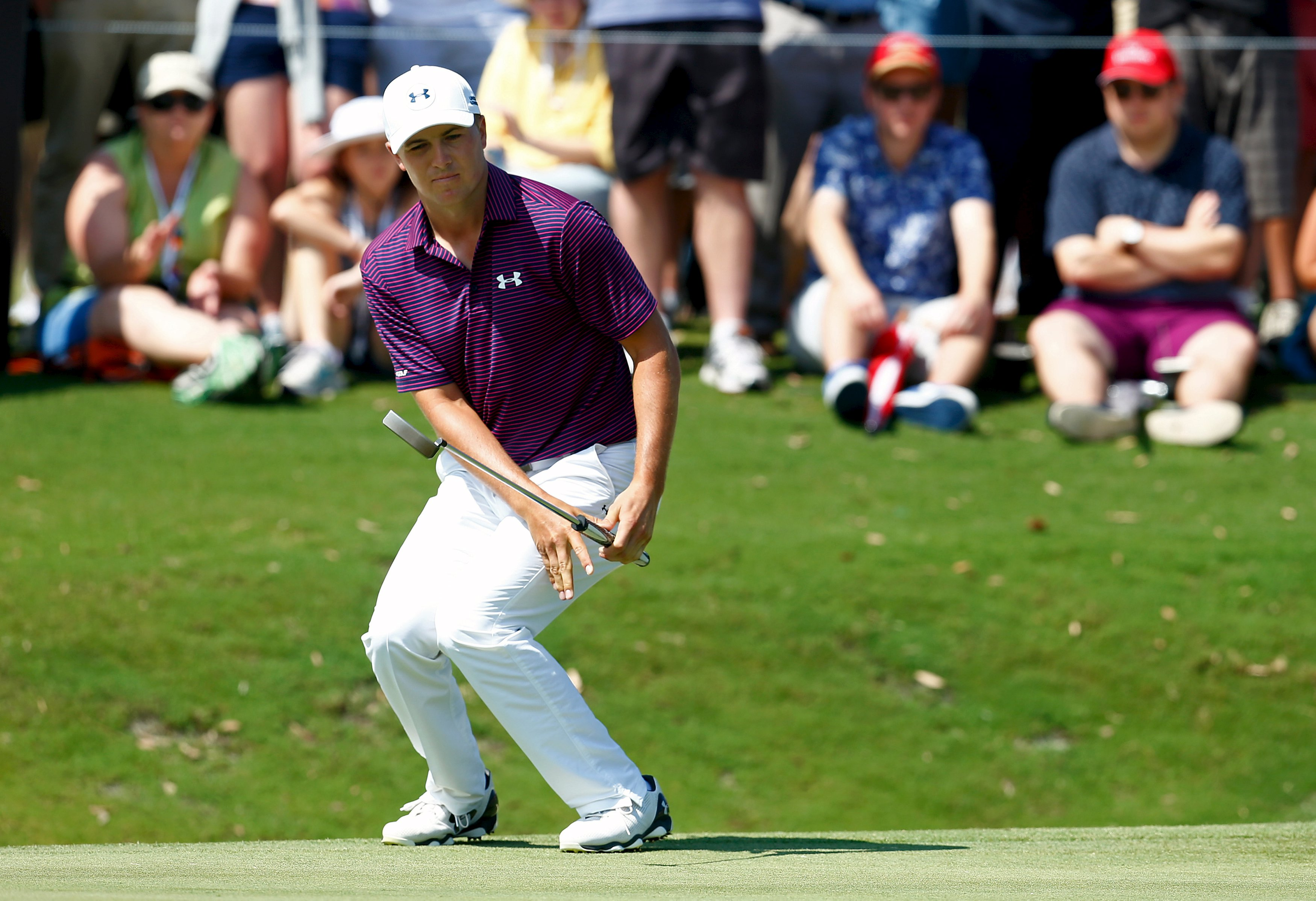 Jordan Spieth of the United States reacts to a missed putt on the 12th green during the final round of the Australian Open Golf tournament in Sydney, Australia, November 29, 2015. Photo: Reuters
