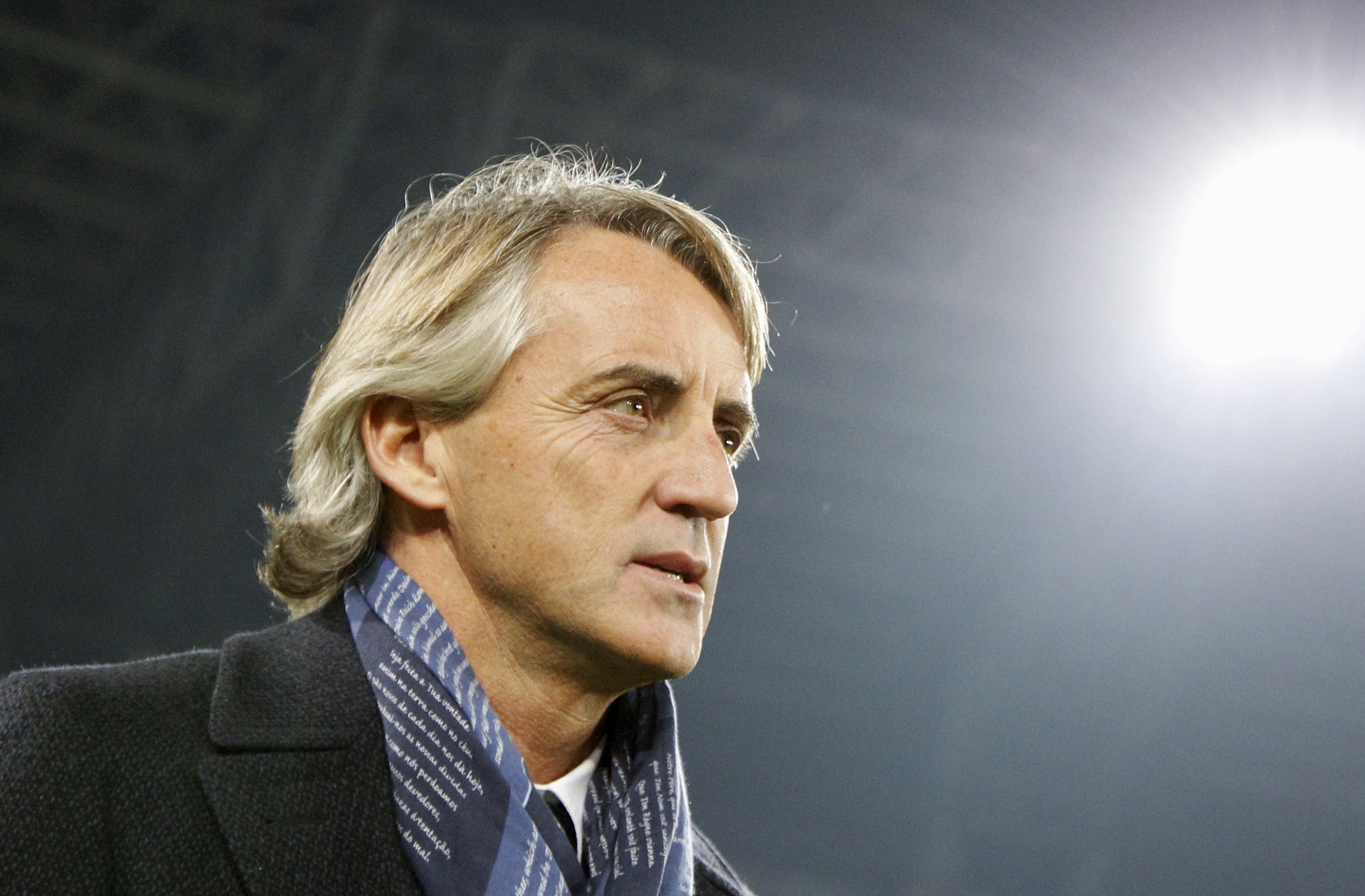 Inter Milan's coach Roberto Mancini looks on during their soccer match against Napoli on November 30, 2015. Photo: Reuters