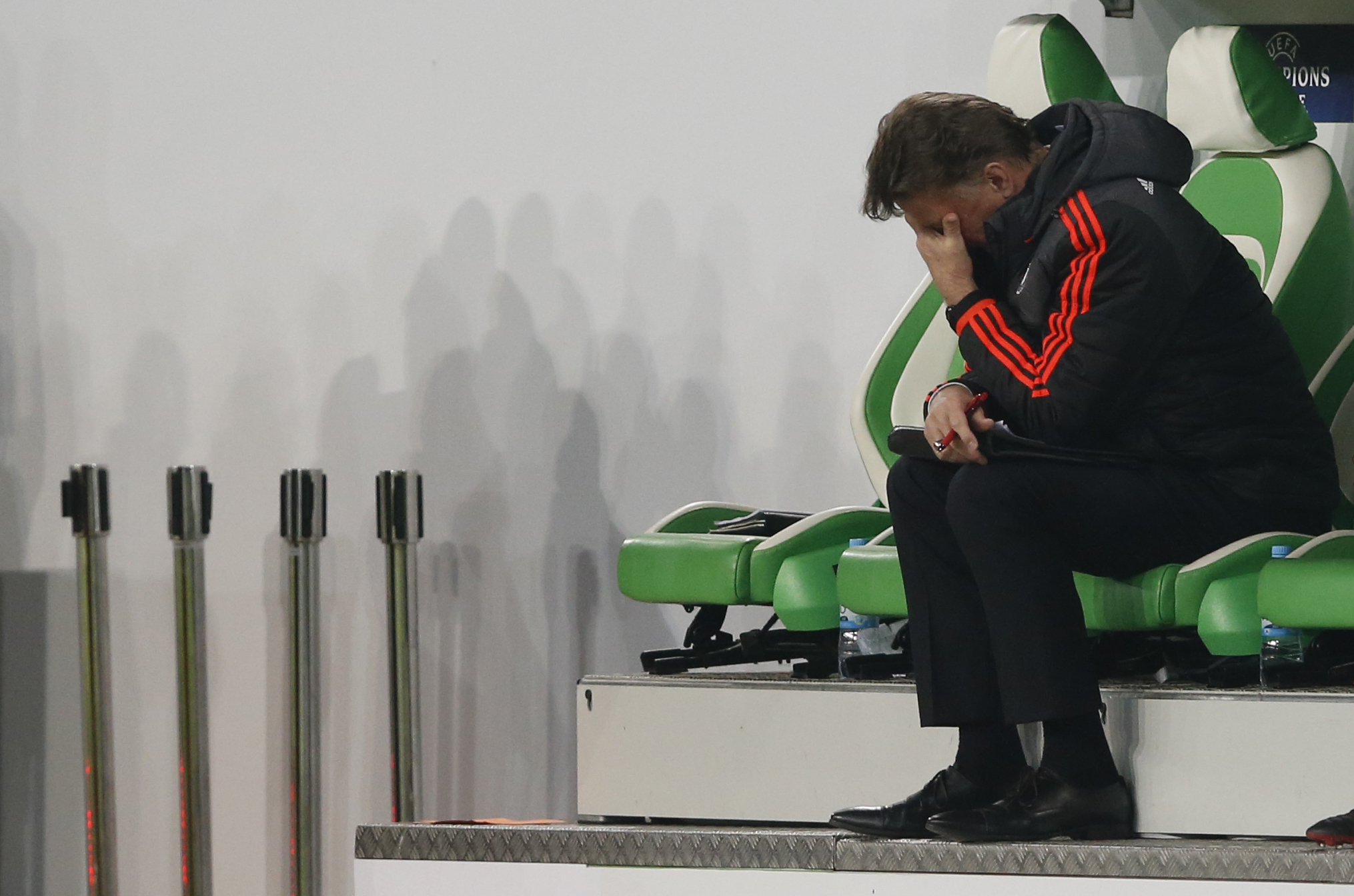 Manchester United manager Louis van Gaal looks dejected during UEFA Champions League game against VFL Wolfsburg on Tuesday, December 8, 2015. Photo: Reuters