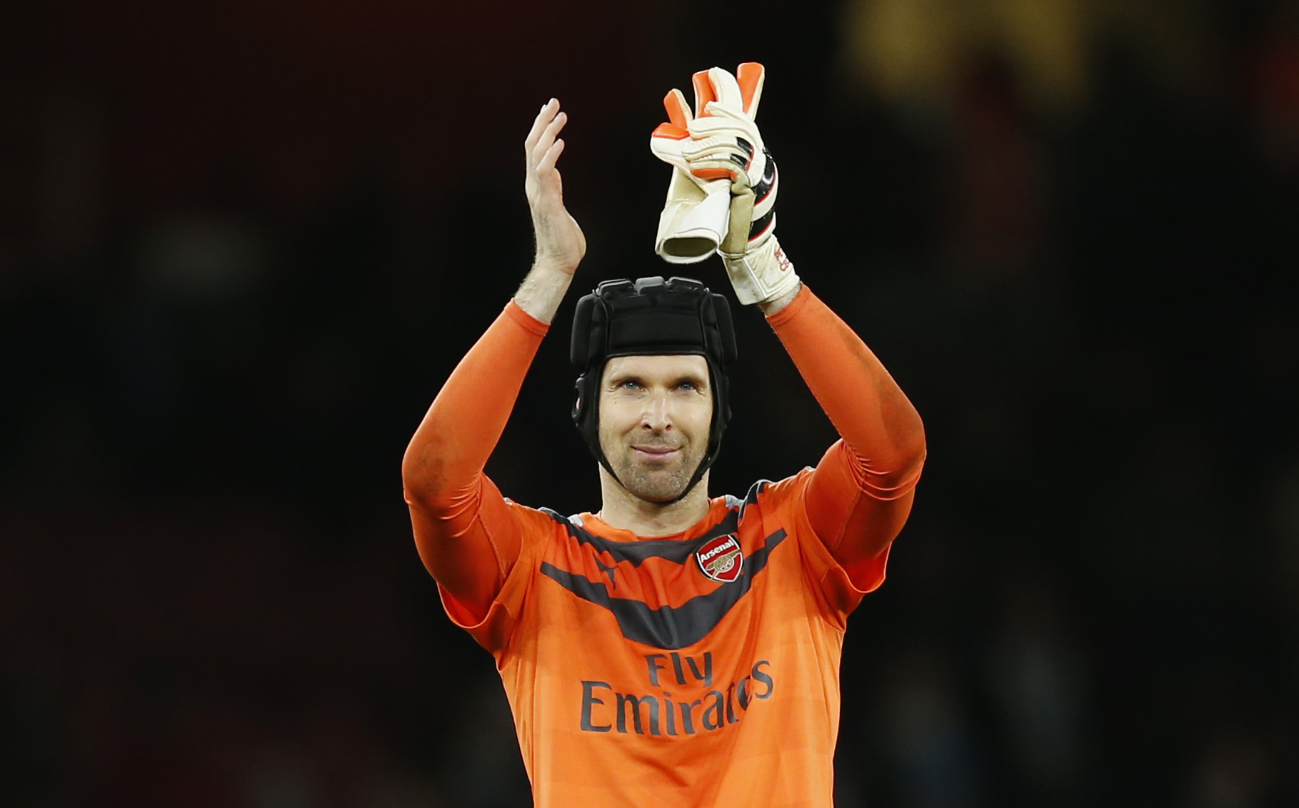 Arsenal's Petr Cech applauds the fans after the game against Manchester City at Emirates Stadium on Monday, December 21, 2015. Photo: Reuters