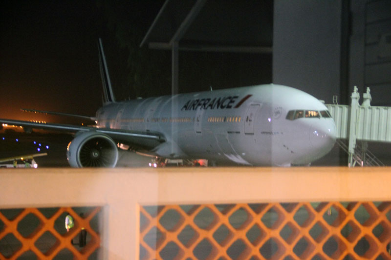 An Air France plane which arrived at Moi International Airport, Mombasa, Kenya on Sunday December 20, 2015 to pick passengers after a bomb scare on their earlier flight from Mauritius. Photo: AP