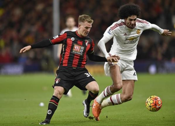 Bournemouth's Matt Ritchie in action with Manchester United's Marouane FellaininReuters / Toby MelvillenLivepic