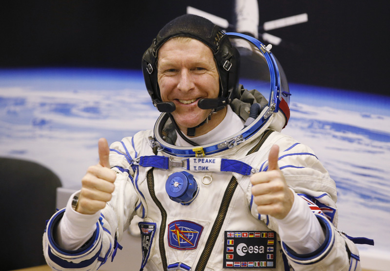 FILE - In this Tuesday, December 15, 2015 file photo, British astronaut Tim Peake, member of the main crew of the expedition to the International Space Station (ISS), gestures prior the launch of Soyuz TMA-19M space ship at the Russian leased Baikonur cosmodrome, Kazakhstan. Photo: AP