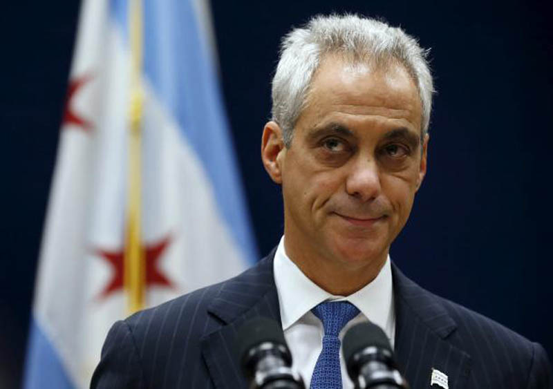 Chicago Mayor Rahm Emanuel listens to remarks at a news conference in Chicago, Illinois, United States, December 7, 2015. Photo: Reuters