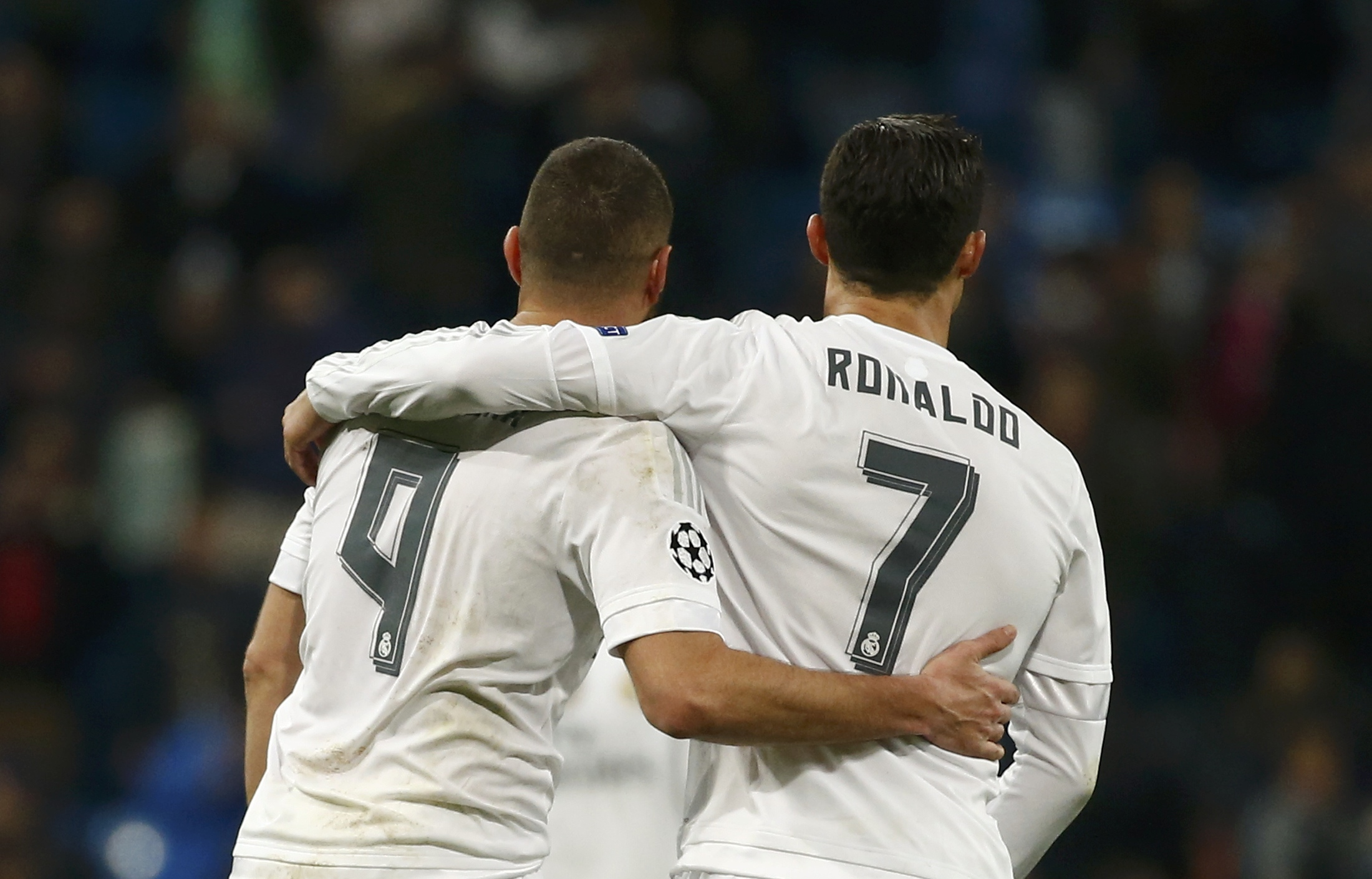 Real Madrid's Cristiano Ronaldo and Karim Benzema leave the pitch after their match Malmo of Champions League Group Stage in Santiago Bernabeu, Madrid, Spain on December 8, 2015. Photo: Reuters
