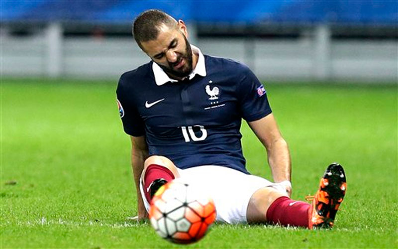 France's Karim Benzema, grimaces during the friendly soccer match against Armenia on October 8, 2015. Photo: AP
