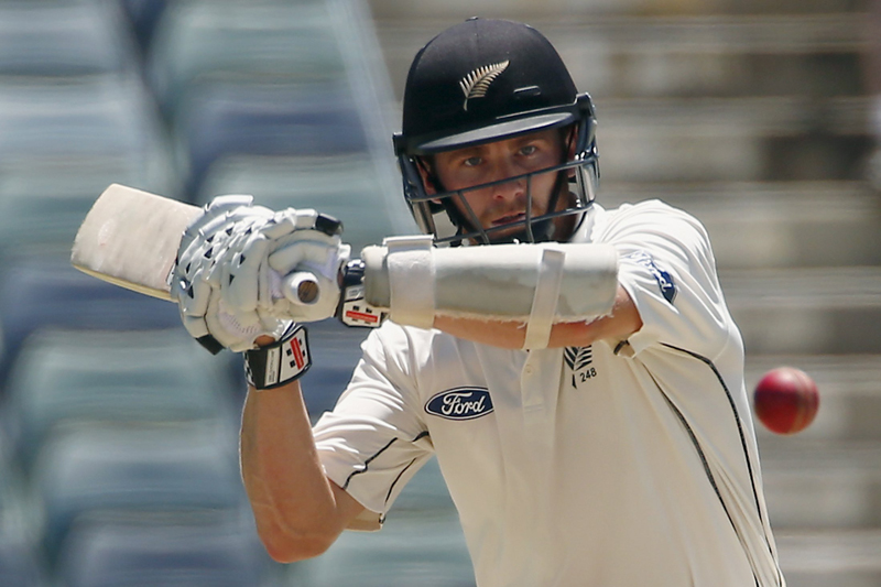 New Zealand's Kane Williamson prepares to hit a boundary off a delivery from Australia's Josh Hazlewood during the third day of the second cricket test match at the WACA ground in Perth, Western Australia, November 15, 2015. Photo: Reuters