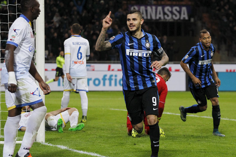 Inter Milan's Mauro Icardi (centre) celebrates after scoring a goal  against Frosinone in the San Siro stadium, Milan, Italy on November 22, 2015. Photo: Reuters