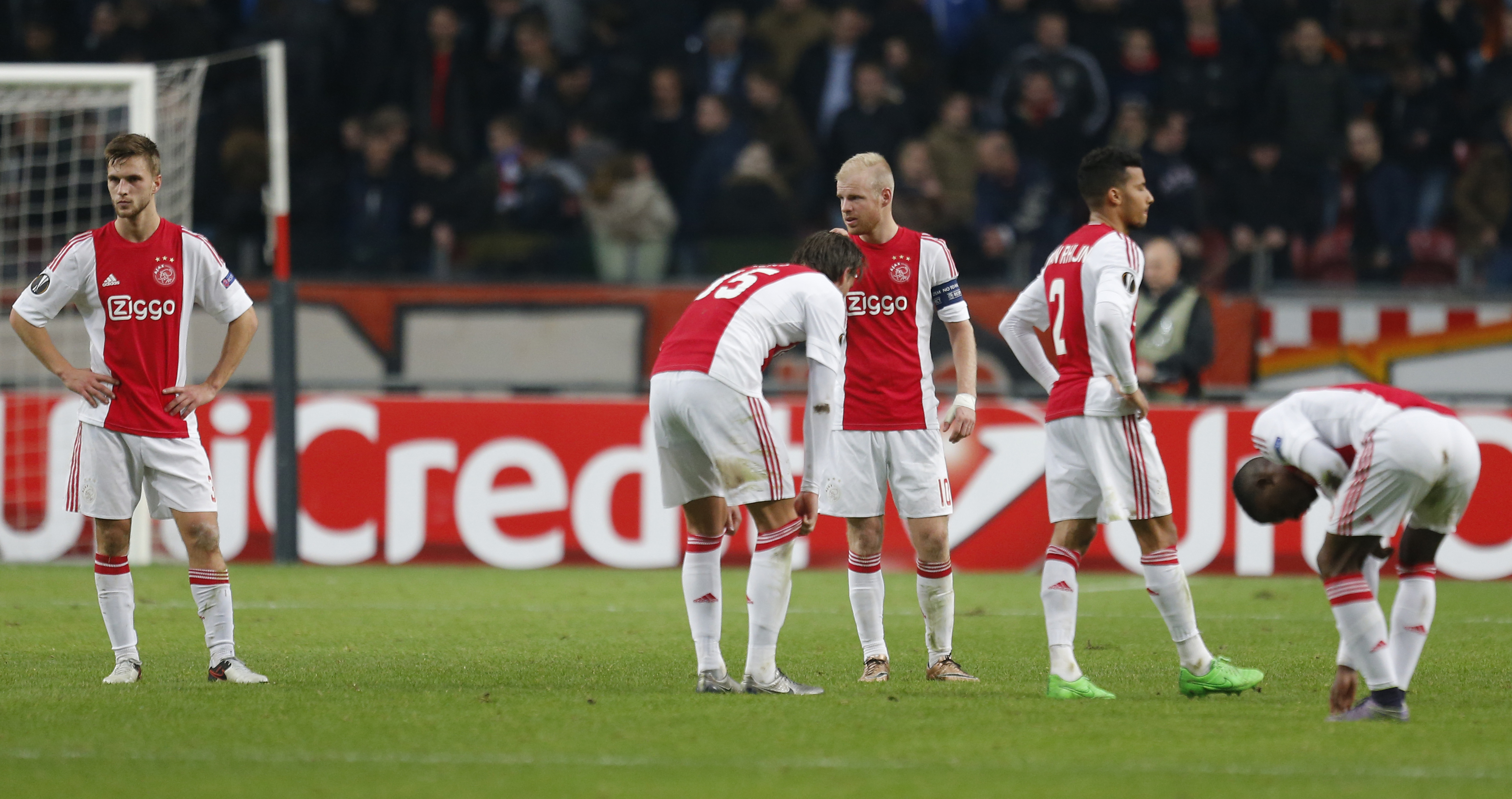 Ajax players react at the end of the group A Europa League soccer match between Ajax and Molde at the ArenA stadium in Amsterdam, Netherlands, Thursday, Dec. 10, 2015. Photo: AP