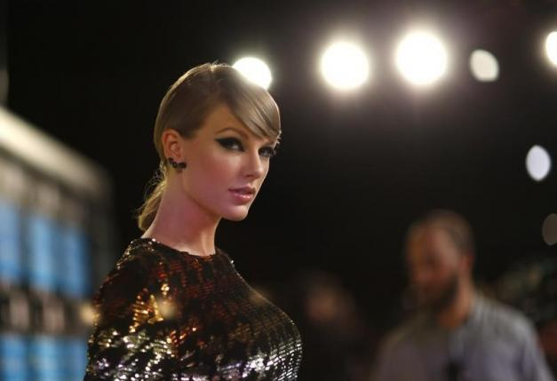 Singer Taylor Swift arrives at the 2015 MTV Video Music Awards in Los Angeles, California August 30, 2015.  Photo: Reuters