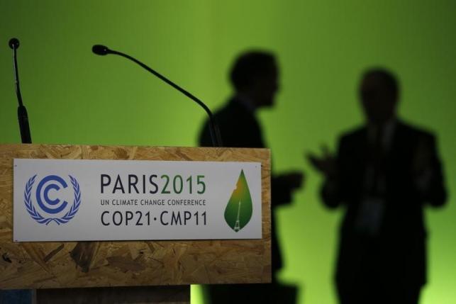 Participant gather during the World Climate Change Conference 2015 (COP21) at Le Bourget, near Paris, France, December 4, 2015. REUTERS/Stephane Mahe