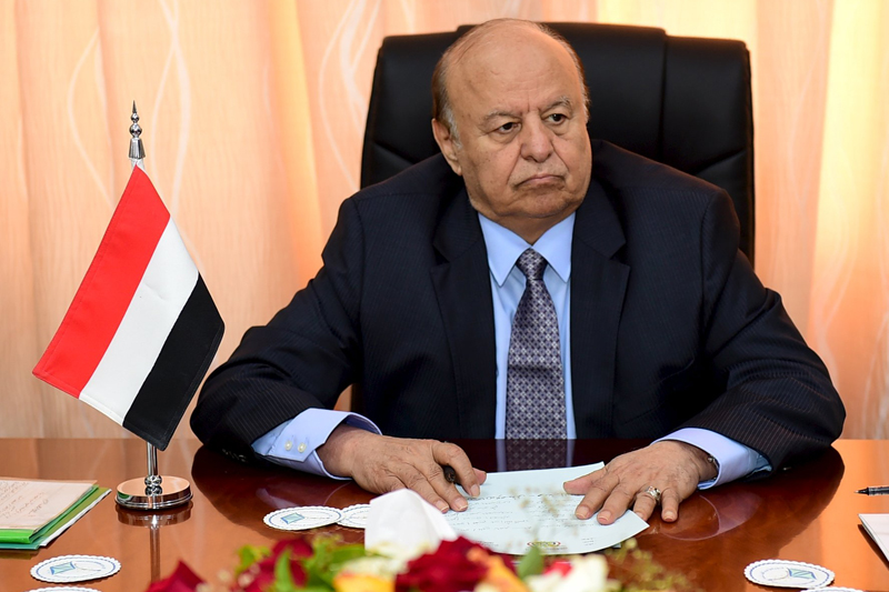 Yemen's President Abd-Rabbu Mansour Hadi sits during a meeting with government officials in the country's southern port city of Aden, December 1, 2015. Photo: Reuters