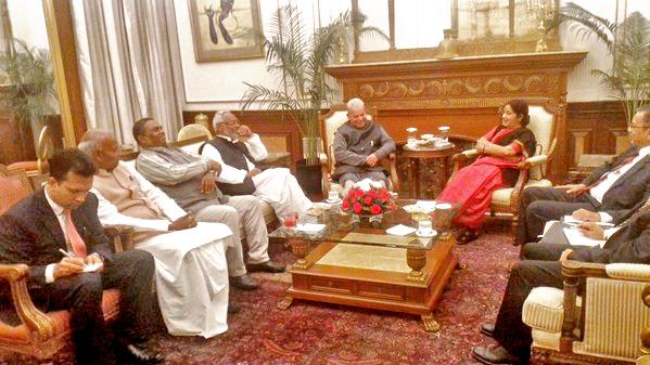 Madhesi leaders (from left) Mahendra Raya Yadav, Upendra Yadav, Rajendra Mahato and Mahantha Thakur  and Indian Ambassador to Nepal, Ranjit Rae meet Indian Minister for External Affairs Sushma Swaraj (centre) in New Delhi on Sunday, December 05, 2015. Courtesy: MEA India