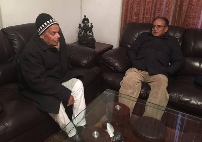 UCPN-Maoist Chairman Pushpa Kamal Dahal (right) holds a meeting with Tarai Madhes Democratic Party Chairman Mahantha Thakur, in the Capital, on Thursday, December 31, 2015. Photo: UCPN-Maoist