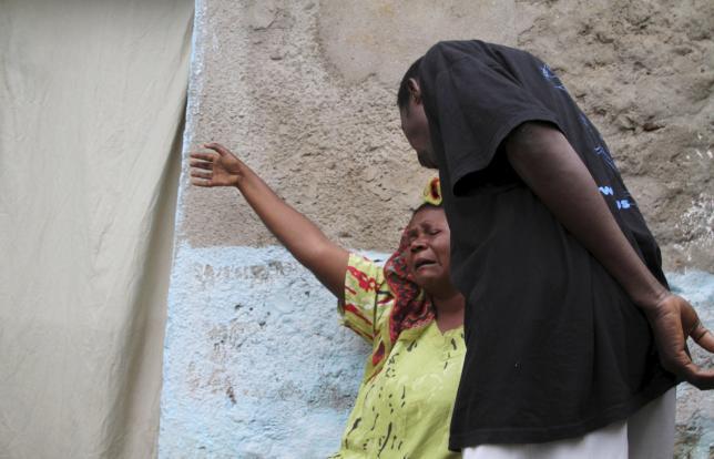 A woman mourns after her son was killed during gunfire in the Nyakabiga neighbourhood of Burundi's capital Bujumbura, December 12, 2015. Photo: REUTERS