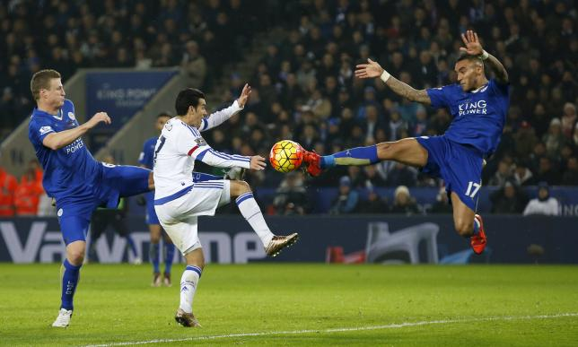 Leicester's Danny Simpson in action with Chelsea's Pedroon December 14, 2015. Photo: Reuters