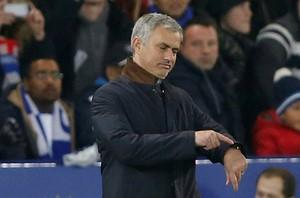 Chelsea manager Jose Mourinho looks dejected at King Power Stadium on December 14, 2015. Photo: Reuters
