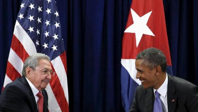 US President Barack Obama and Cuban President Raul Castro meet at the United Nations  General Assembly in New York September 29, 2015. Photo: REUTERS
