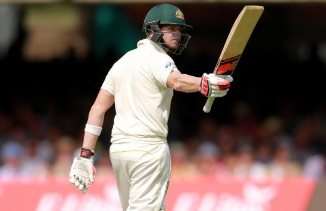 Australia's Steven Smith acknowledges the crowd as he scores his half century during Ashes Test Series against England at Lords on July 16, 2015. Photo: Reuters