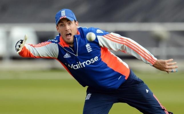England's Steven Finn during a training session at Headingly on September 10, 2015. Photo: Reuters