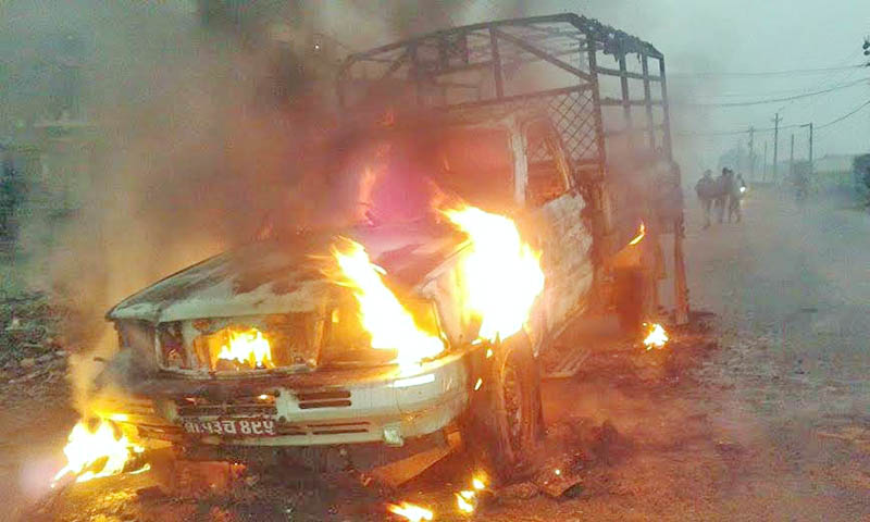 A vehicle of Kantipur National Daily torched by United Democratic Madhesi Front (UDMF)  in Parwanipur of Bara district, on Sunday, December 27, 2015. Photo: Ram Sarraf