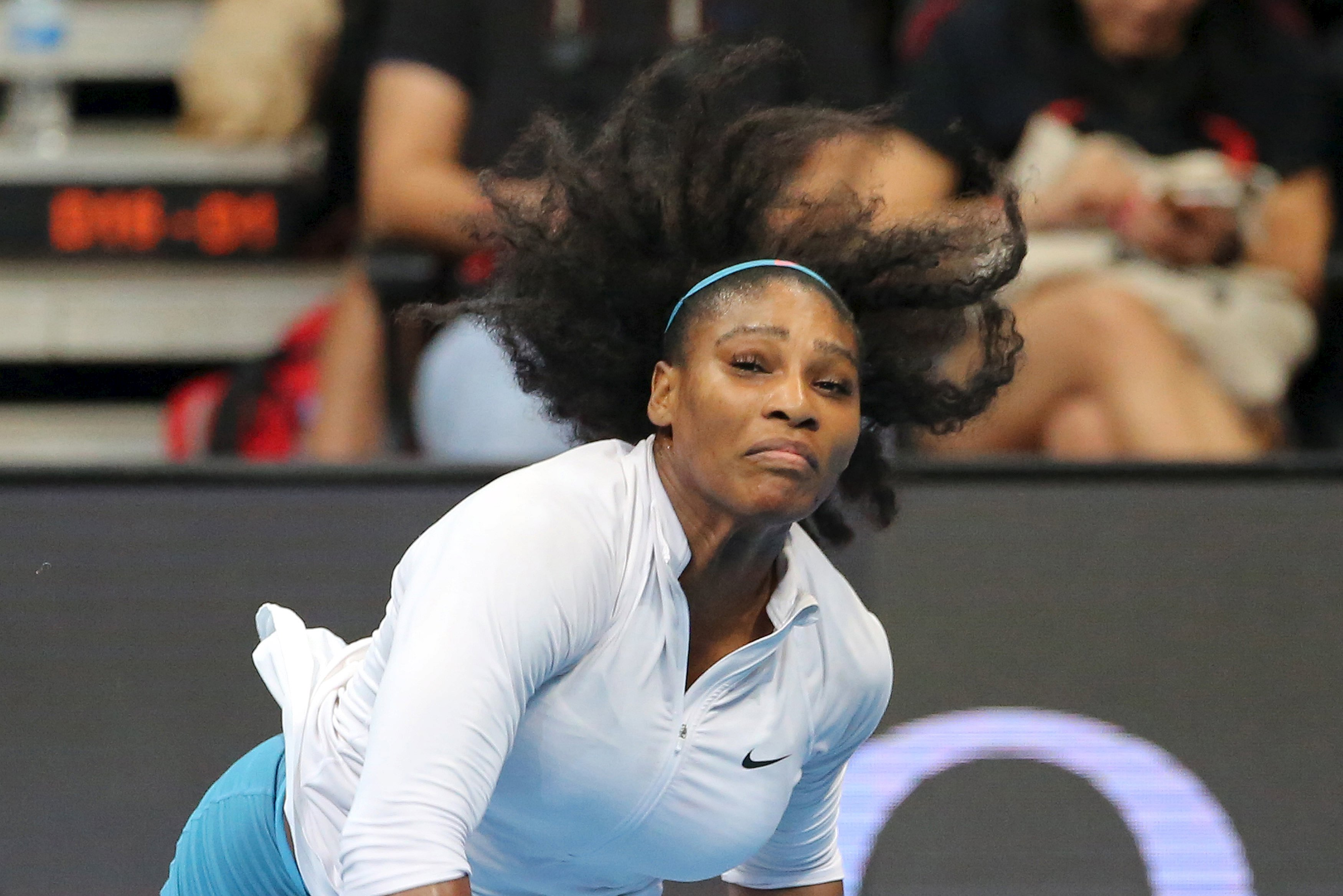 Manila Mavericks player Serena Williams of the United States plays against the Legendari Japan Warriors player Mirjana Lucic-Baroni of Germany during their women's singles match in the International Premier Tennis League in Pasay City, Philippines, on December 7, 2015. Photo: Reuters