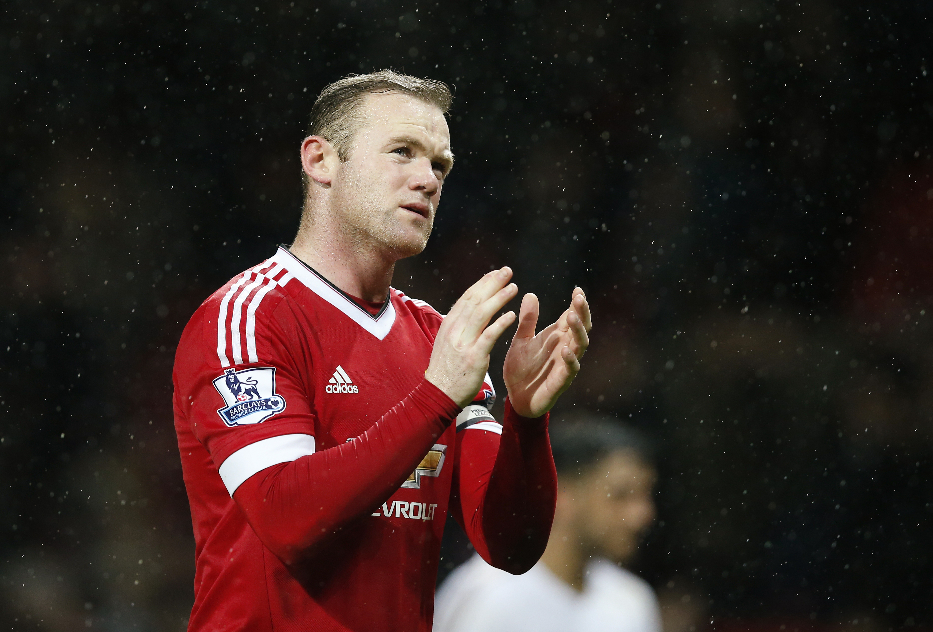 Manchester United's Wayne Rooney applauds the fans at the end of the match against Swansea City at Old Trafford on Saturday, January 2, 2016. Photo: Reuters