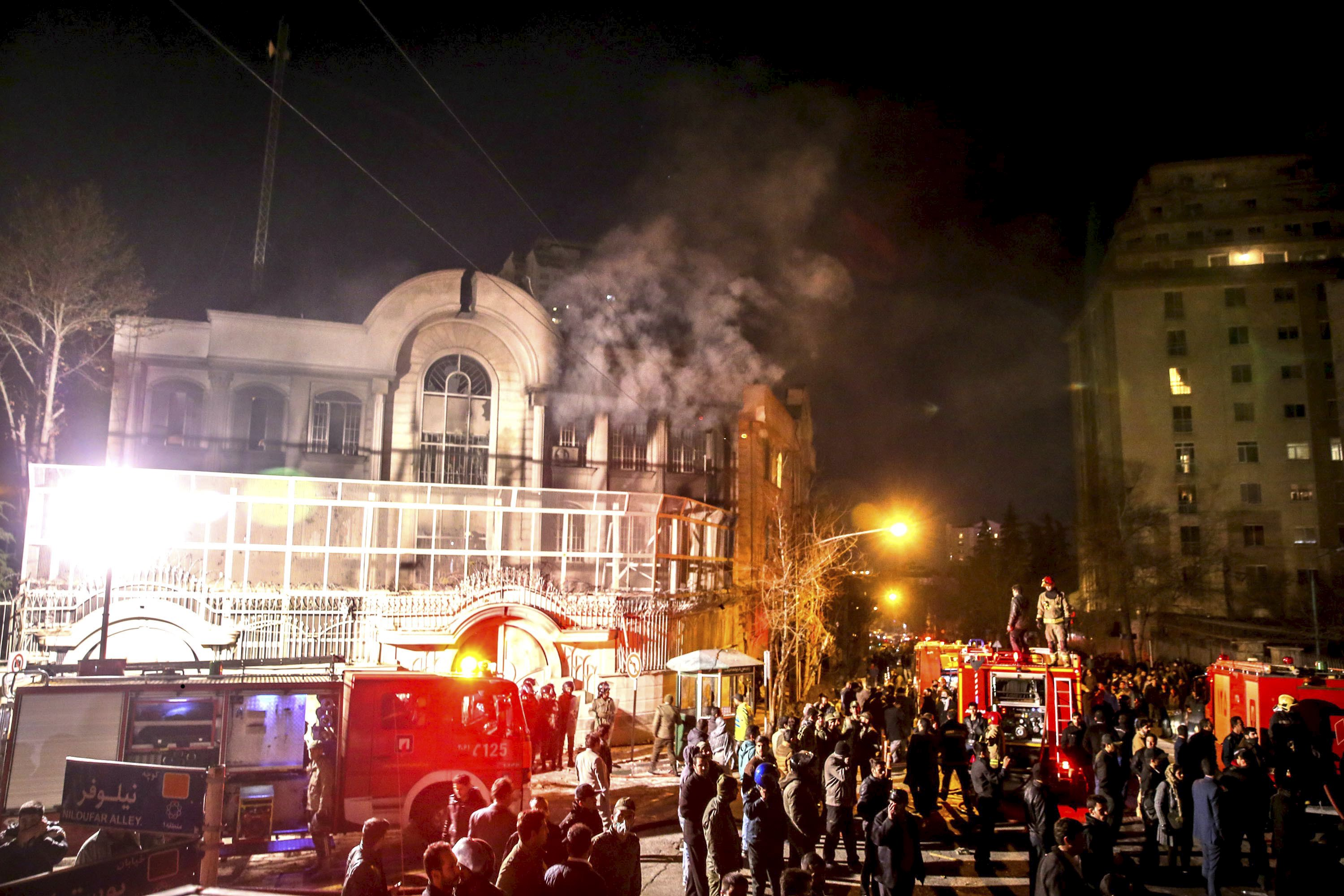 Flames rise from Saudi Arabia's embassy during a demonstration in Tehran January 2, 2016. Photo: Reuters
