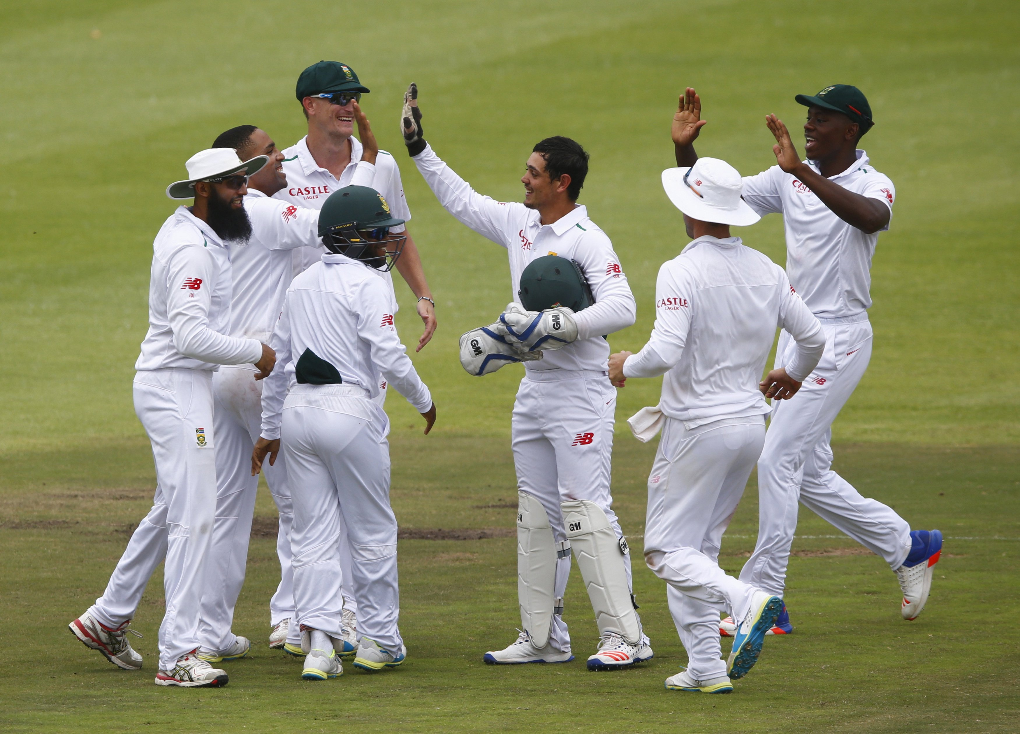 South Africa celebrate the wicket of England's Nick Compton (not in picture) during the second cricket test match in Cape Town, South Africa, January 6, 2016. Photo: Reuters