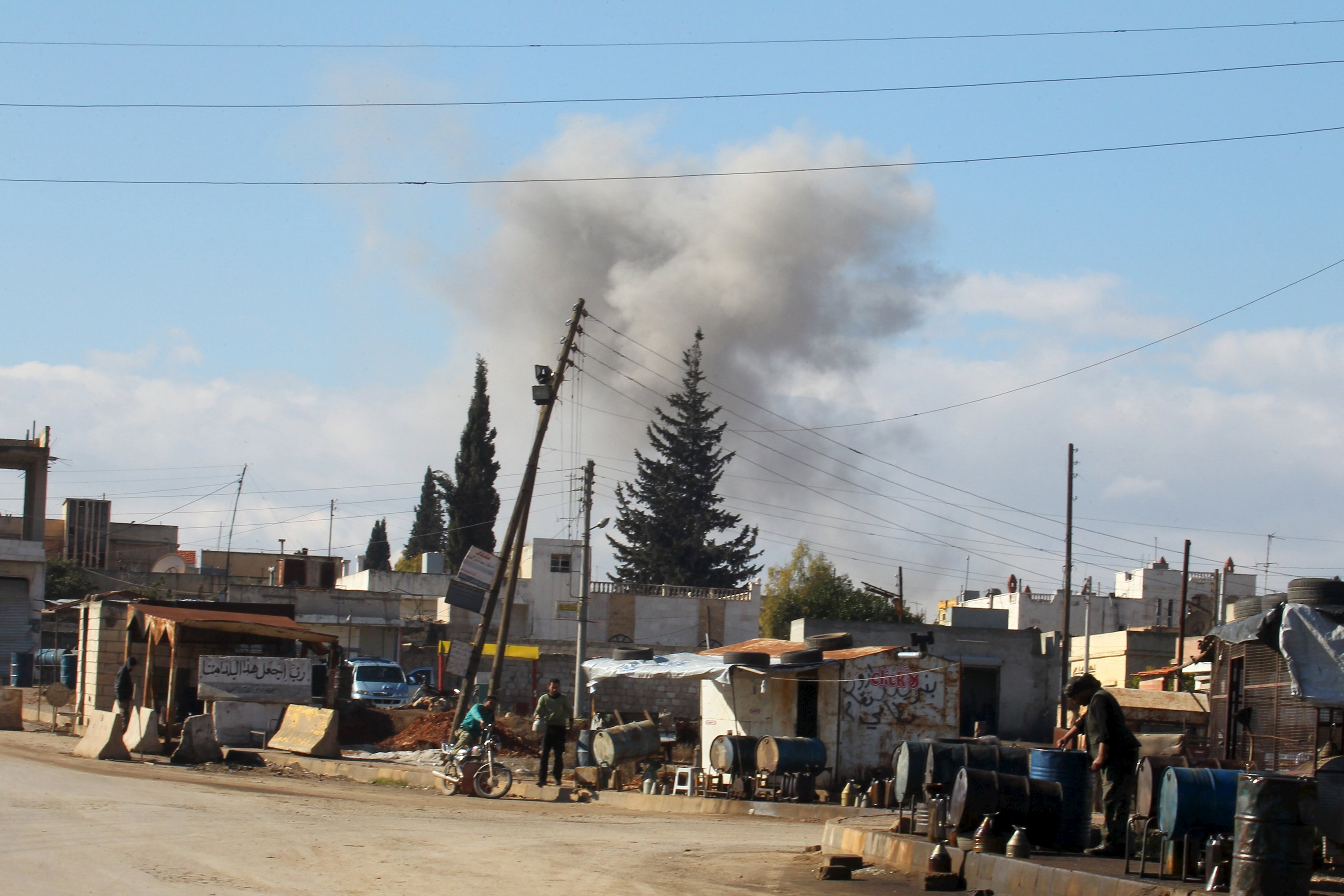 Smoke rises in a site hit by what activists said were airstrikes carried out by the Russian air force in the town of Saraqib, in Idlib province, Syria January 9, 2016. Photo: Reuters