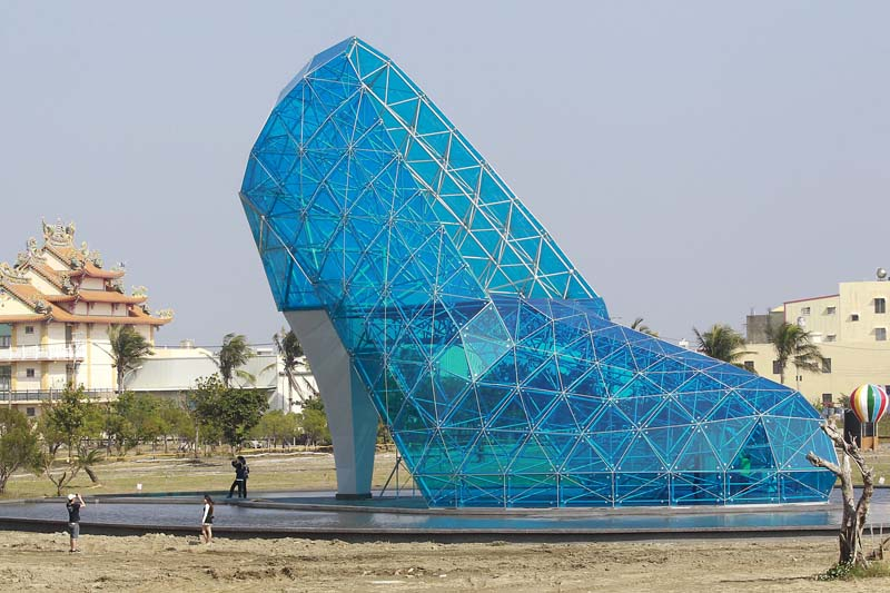 A shoe-shaped church, which is about 17 meter (55 feet) tall and 11 meter (36 feet) wide built in three months with about $685,000, is seen in Chiayi, southern Taiwan, on January 18, 2016. It is expected to open in February 2016, before the Lunar New Year, according to the Chiayi county government official. Photo: Reuters