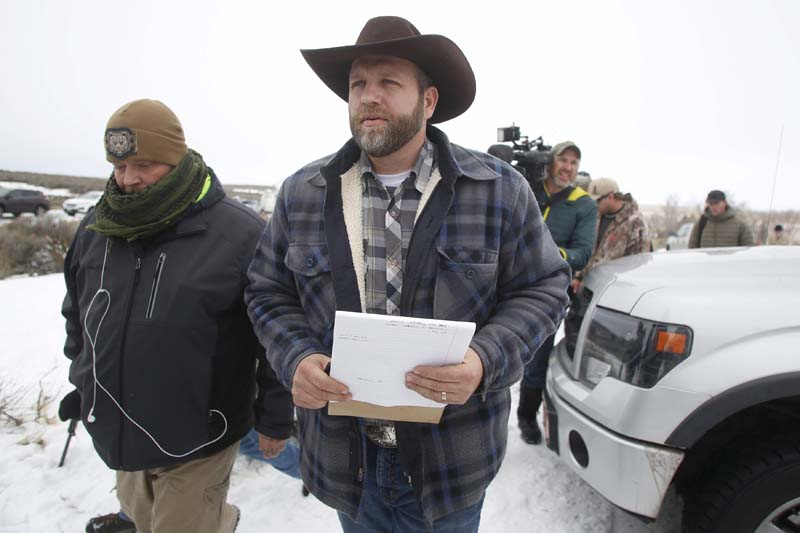 Ammon Bundy arrives to address the media at the Malheur National Wildlife Refuge near Burns, Oregon in this January 5, 2016. Photo: Reuters