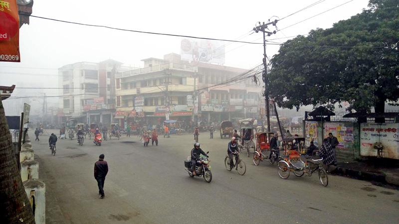 Cold wave and fog have crippled the life of Birgunj, on Tuesday, January 26, 2016. Photo: Ram Sarraf