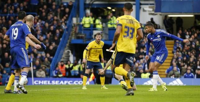 Football Soccer - Chelsea v Scunthorpe United - FA Cup Third Round - Stamford Bridge - 10/1/16nRuben Loftus Cheek scores the second goal for ChelseanAction Images via Reuters / John SibleynLivepicls.