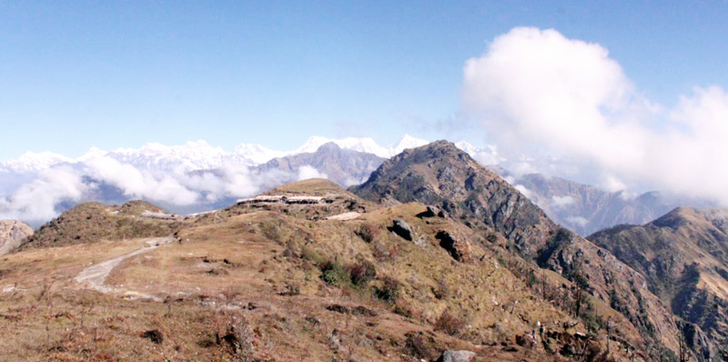 Panoramic view of Mahalangur Himal seen from Rawadhap of Khotang district on Friday, January 1, 2016. Photo: RSS