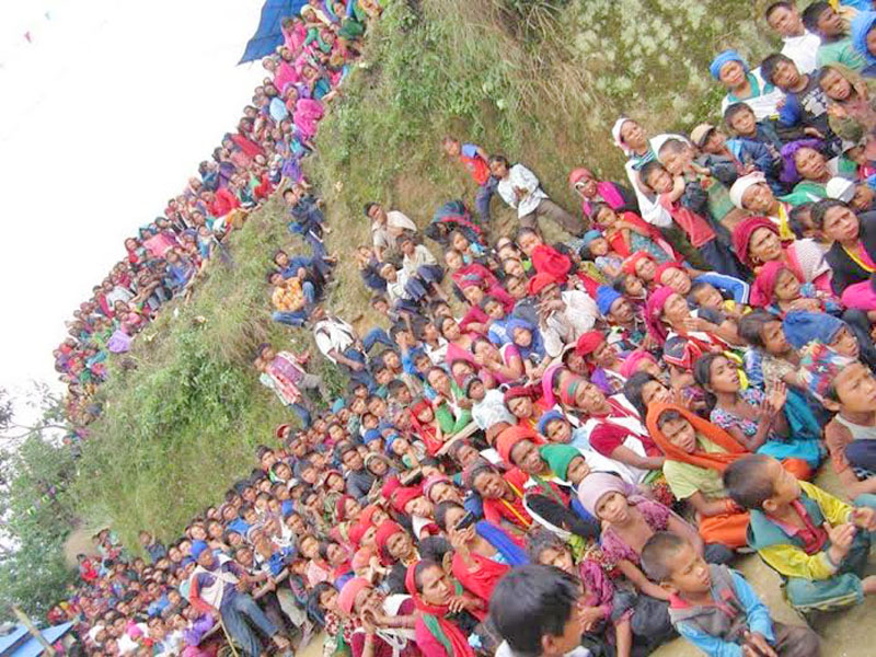 People at Gaumukhi gather to take holy dip on the occasion of Maghe Sankranti festival in Arkha VDC of northern Pyuthan. Photo: Devendra Brahma