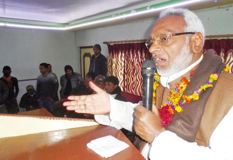 Chairman of Sadbhawana Party Rajendra Mahato addressing at a programme, in Rajbiraj, Saptari, on Thursday, January 21, 2016. Photo: THT