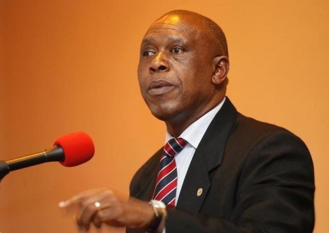 Businessman Tokyo Sexwale addresses journalists in Cape Town in a file photo.  REUTERS/Mike Hutchings