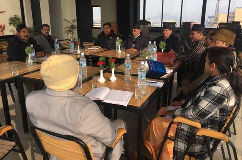 A meeting of the UCPN-Maoist standing committee with the ministers representing the party in the government in the Capital on Wednesday, January 27, 2016. Photo: https://twitter.com/cmprachanda